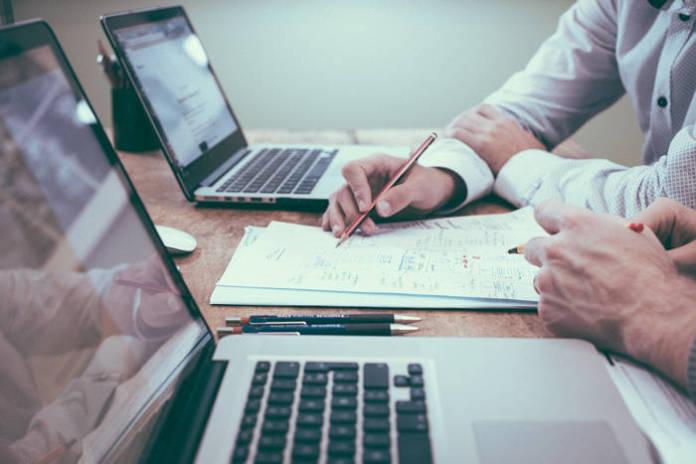 Umowa o pracę - najważniejsze korzyści