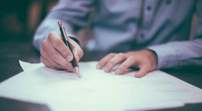 Umowa kupna sprzedaży samochodu - co powinna zawierać?